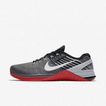 Nike metcon dsx flyknit para hombre gris oscuro/rojo universitario/negro/blanco_900